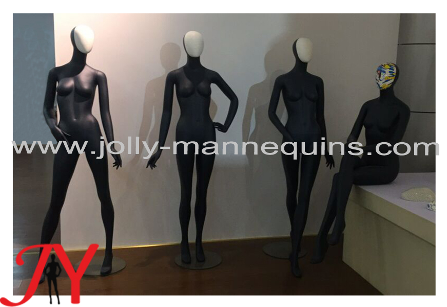 female mannequins with change head