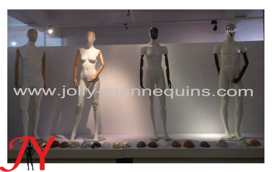 female mannequins with wooden hands